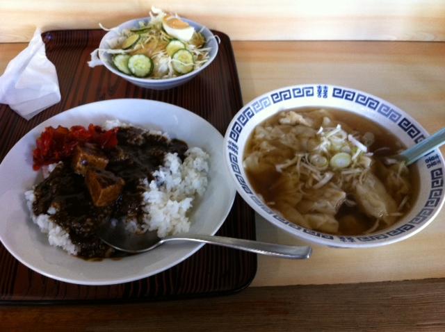 銚子インデアン(カレーライス、ワンタン)
